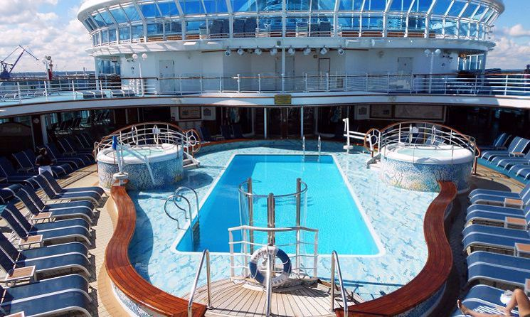 emerald princess piscina