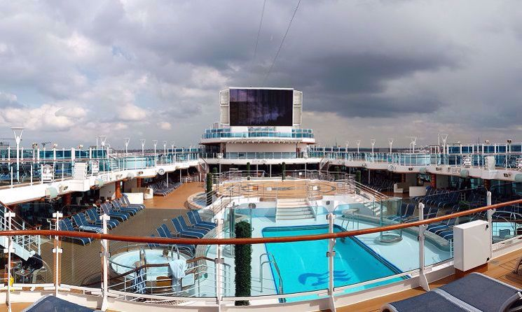 regal princess piscina