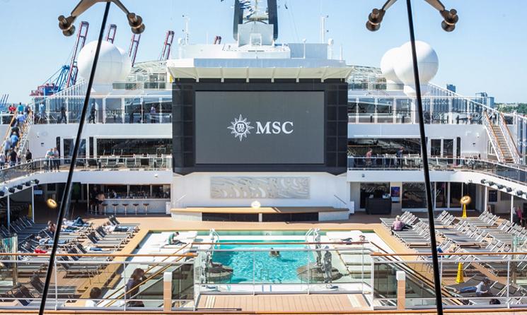 Piscina exterioara MSC Meraviglia