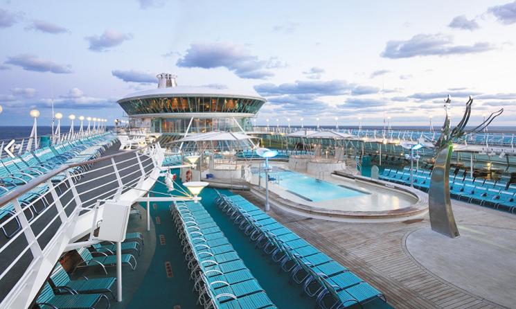 Piscina exterioara Vision of the Seas